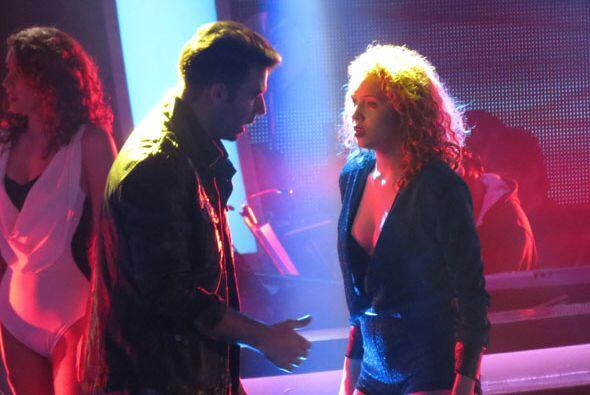Jencarlos le dio consejos a Paloma para su ensayo.