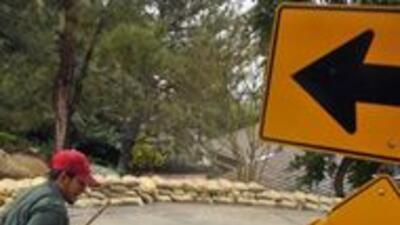 Continuan cierres viales en Los Angeles tras tormentas invernales 1150e1...