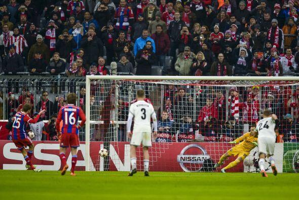 El autor del primer gol fue Thomás Müller, quien anotó desde el manchón...