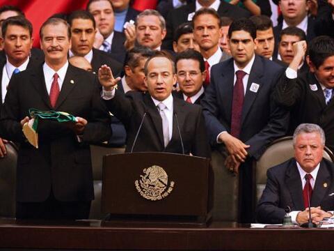 El mandato del presidente Felipe Calderón fue controversial desde...