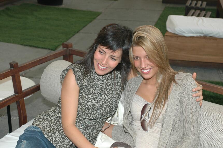 Stephanie y Michelle Salas