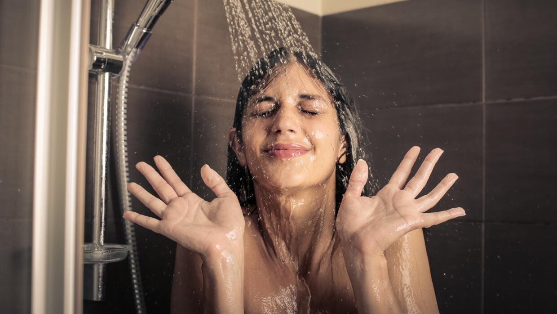 Las duchas de agua fría tienen numerosos beneficios. Pero hay que atreve...