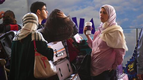 Comienza la prohibición de viajes de EEUU que afecta a personas de seis...