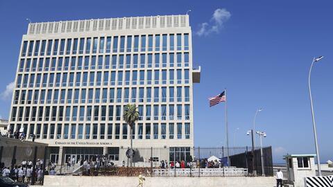 Foto tomada el 14 de agosto del 2015 de la embajada estadounidense en La...