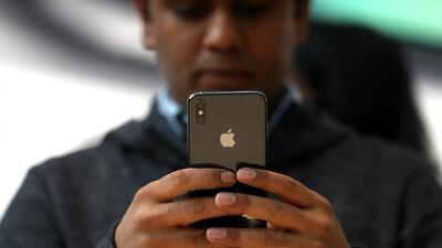 Comisión de Servicios Públicos de California propone impuesto a los mensajes de texto