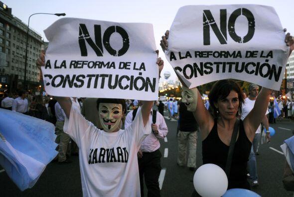 Kirchner cumplió su primer mandato entre 2007 y 2011, año...