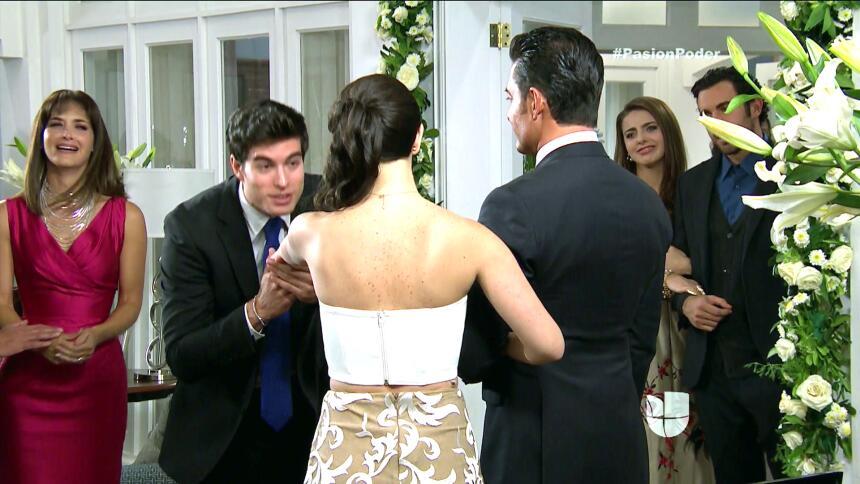 ¡Franco y Gaby son marido y mujer! 077D7266999C4A5198D66E3E3D6B7130.jpg