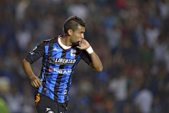 Anotó los goles a los minutos 13 y 35, tiró cuatro veces a gol, jugó los...
