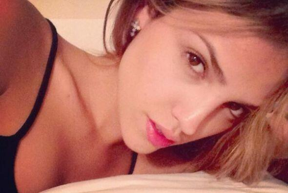 "Eiza González posó asi en su ""Twitter"" sin maquillaje ni filtros."