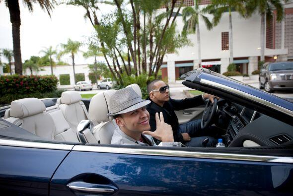 Yankee y Royce fueron hablando durante el trayecto de lo que harían en e...
