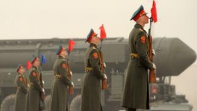 Rusia, junto con Estados Unidos, poseen la mayor parte de los arsenales...