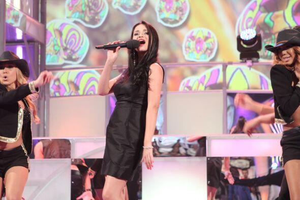 Imitar a Natalia Jiménez es difícil pues la artista tiene un gran regist...