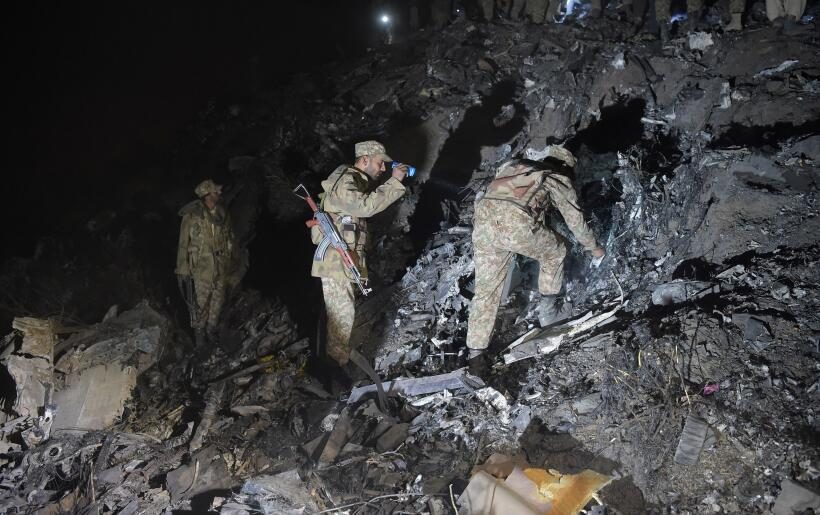 El avión, un ATR-42, partió de Chitral, en el norte del pa...