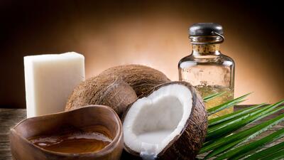 Crece la polémica sobre el aceite de coco: recomiendan consumirlo con moderación