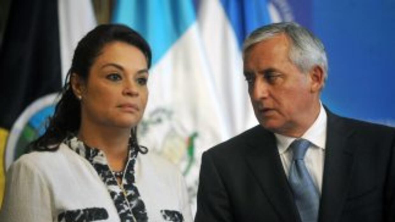 La vicepresidenta de Guatemala, Roxana Baldetti, junto al presidente Ott...