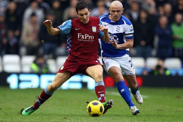 Otro 'derby' que se disputó fue el encuentro entre Birmingham y Aston Vi...