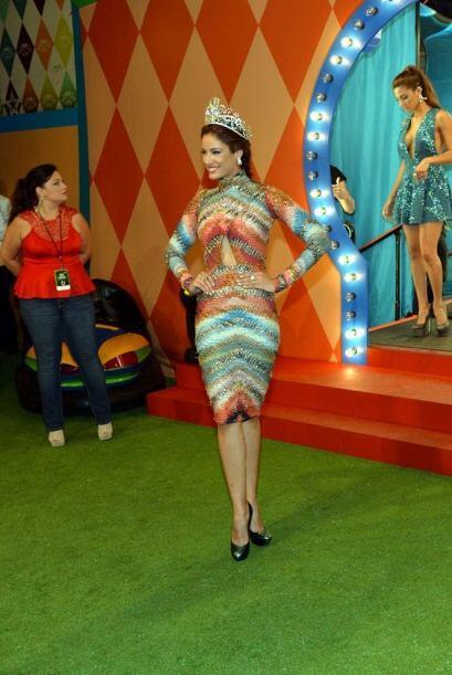 Bellos, atrevidos, creativos, y muy coloridos así fueron vestidos tus ar...