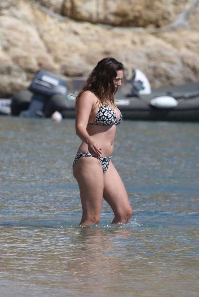 La modelo británica se encontraba en la isla de Mykonos con su prometido...