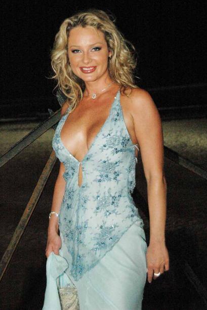 Aquí, Joanna Benedek se vió sexy sin rozar en lo vulgar. Se cuidó de no...
