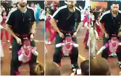 Un maestro cumple el sueño de bailar a una niña con discapacidad