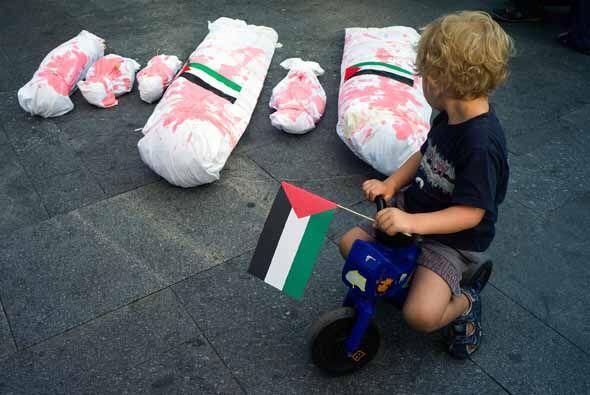 Yasser Abu Jamei: Desde hace más de siete años vivimos bloqueados, la ge...
