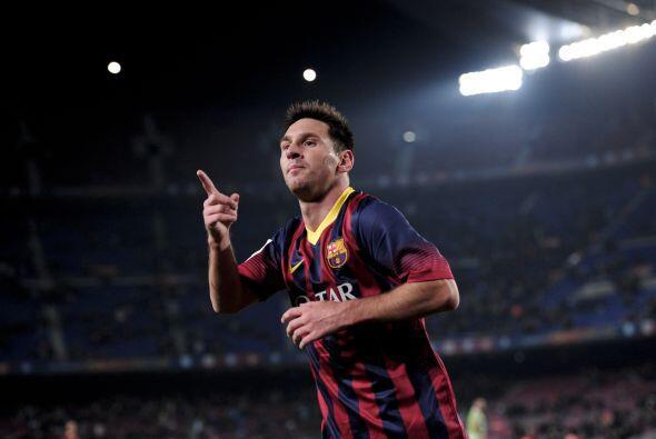 Los aficionados que se dieron cita en el Camp Nou veían a su gran ídolo...