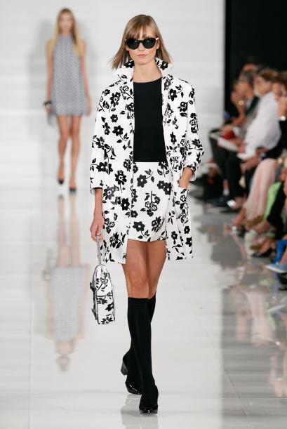 Combinado con el negro. El 'look' 'black and white' es la tendencia núme...