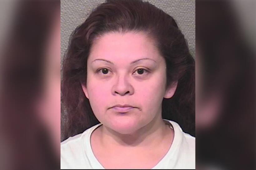 Melissa Ann Martínez proporcionó alcohol y drogas controladas (hidrocodo...