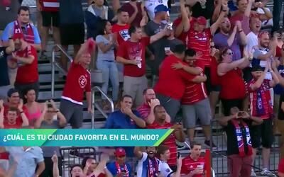 ¿Messi  ó Maradona? La estrella del FC Dallas, Maximiliano Urruti, nos c...