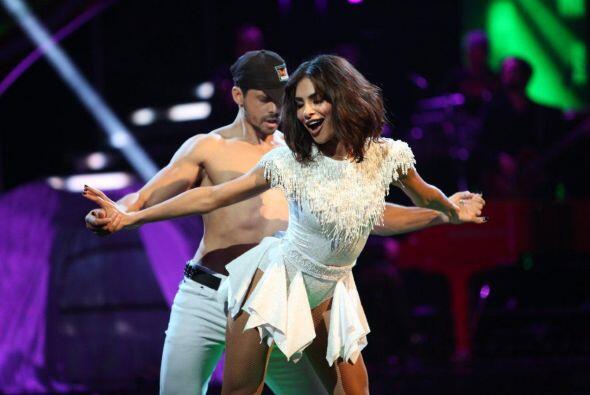 El cubano y la presentadora nos dejaron impactados con su sexy baile des...