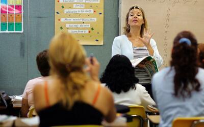 'Los Ángeles en un Minuto': no habrá despidos de profesores luego de hab...