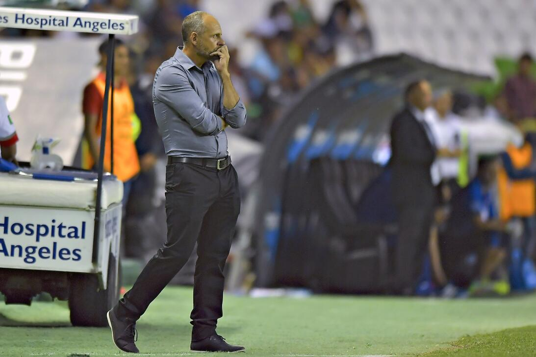 León golea en 20 minutos de gloria Javier Torrente DT Leon.jpg