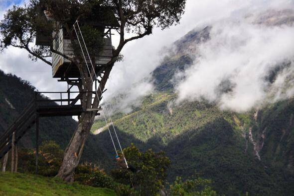 """El columpio de """"El fin del mundo"""" en Baños, Ecuador"""