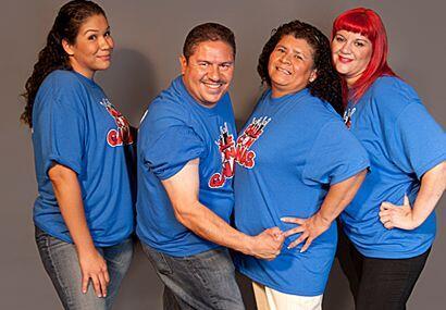 La familia Valdez está integrada por Laura, Ignacio, Rosa y Liliana. Ell...