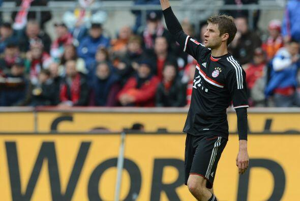 La mitad del campo se cierra con el alemán Thomas Müller.