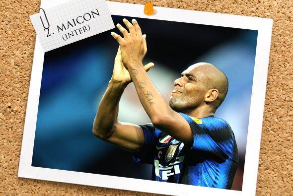 Para la zaga, iniciamos con otro futbolista 'nerazzurri', el lateral Mai...