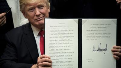 El presidente Trump ha firmado un récord de órdenes ejecutivas, sin emba...