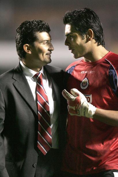 Obtuvo el título de Liga con Guadalajara al vencer a Toluca en el Apertu...