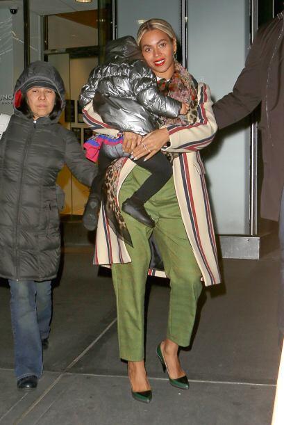 Beyoncé tras la fiesta de cumpleaños de su adorada Blue Ivy. Mira aquí l...