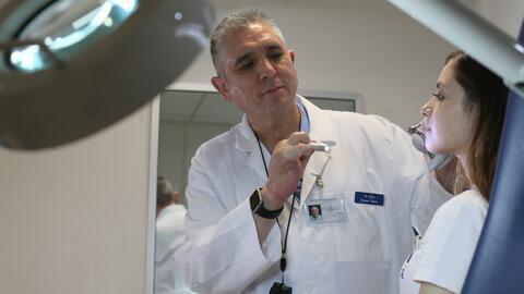 Todos los procedimientos en cirugía plástica requieren de...