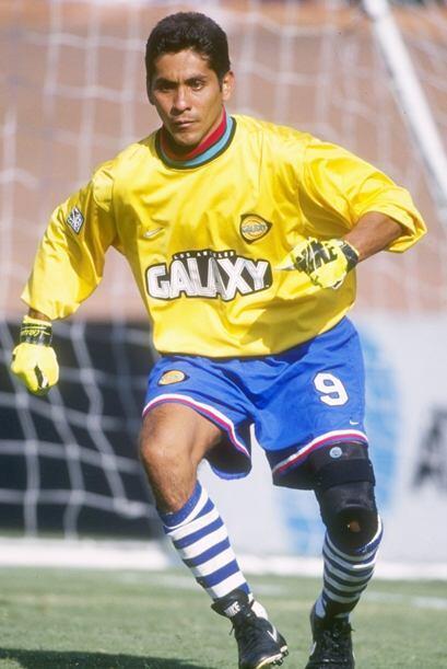 Jorge Campos fue el portero sensación de México en los 90'...