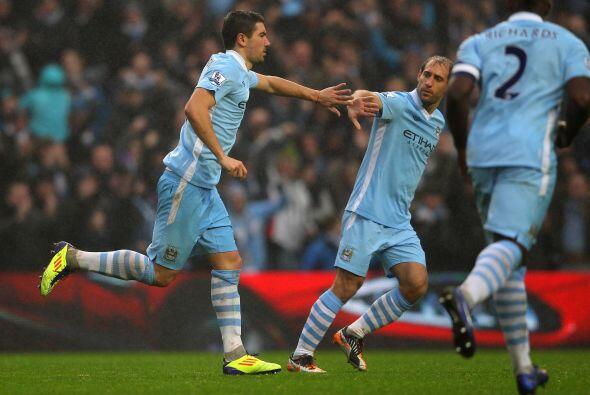 El City reaccionó en la segunda parte, primero con un gol de Aleksandar...