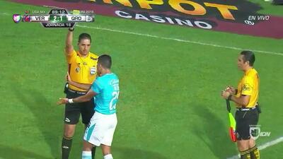 Tarjeta amarilla. El árbitro amonesta a Alexis Pérez de Querétaro