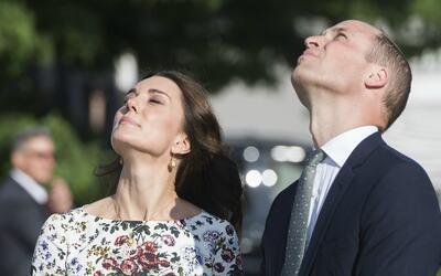 El príncipe William y su esposa, Kate Middleton, comenzaron el pa...