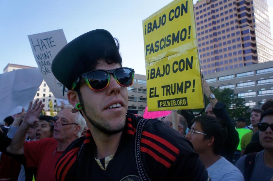 Noche de protestas contra Trump en Nuevo México, el estado con mayor pre...