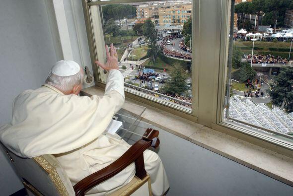Él ingresó en el seminario del Monseñor Adam Stefan Sapieha, cardenal ar...