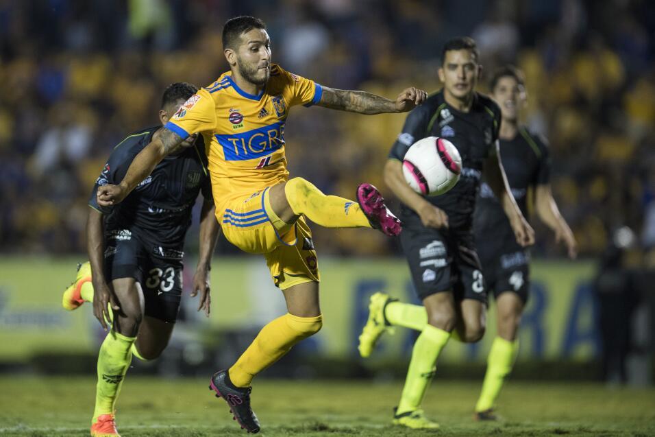 Edwin Cardona es una posibilidad para el América  114-ismael-sosa.jpg