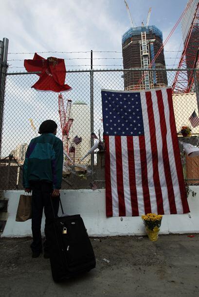 Decenas de familiares y afectados acudieron a la zona donde ocurrió la p...