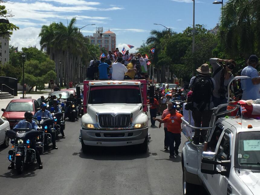 Tremenda caravana para celebrar los atletas boricuas