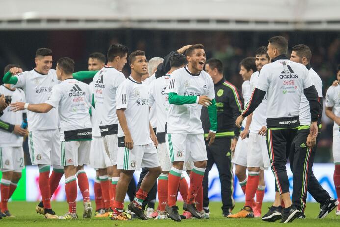México paró de sufrir en Concacaf con estas 13 alineaciones 20170901_165...